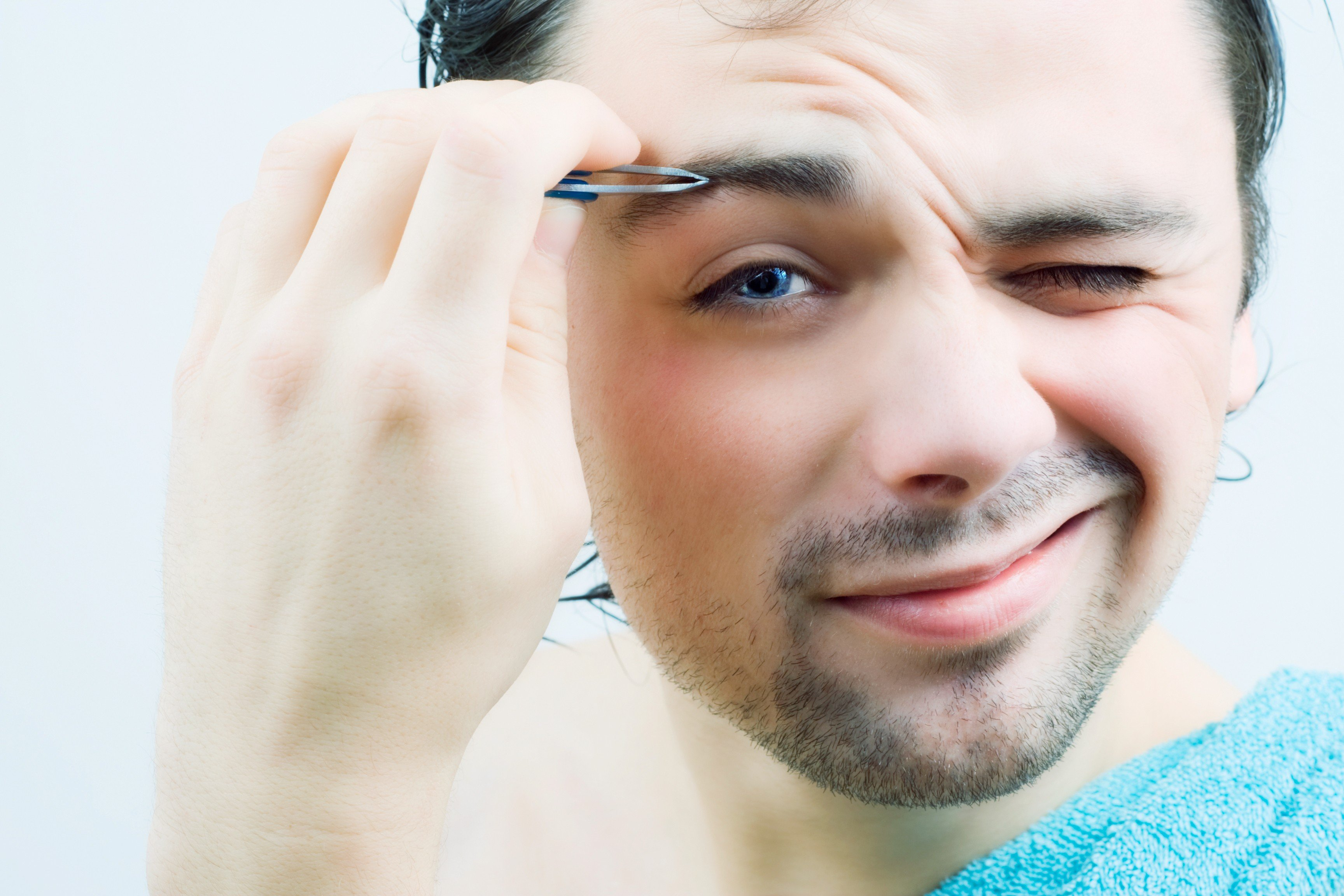Don't Tweeze - Eyebrow Plucking - B2B Eyebrow Sculpting